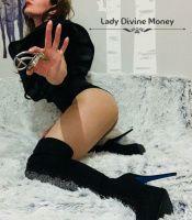 Photo von  LADY DIVINE MONEY