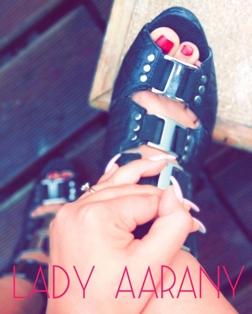 Photo von  LADY AARANY